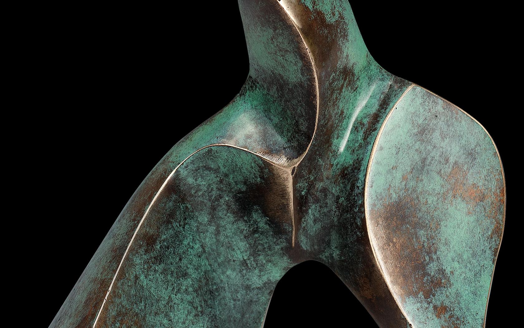 Spacer 2010 brąz H 29 cm