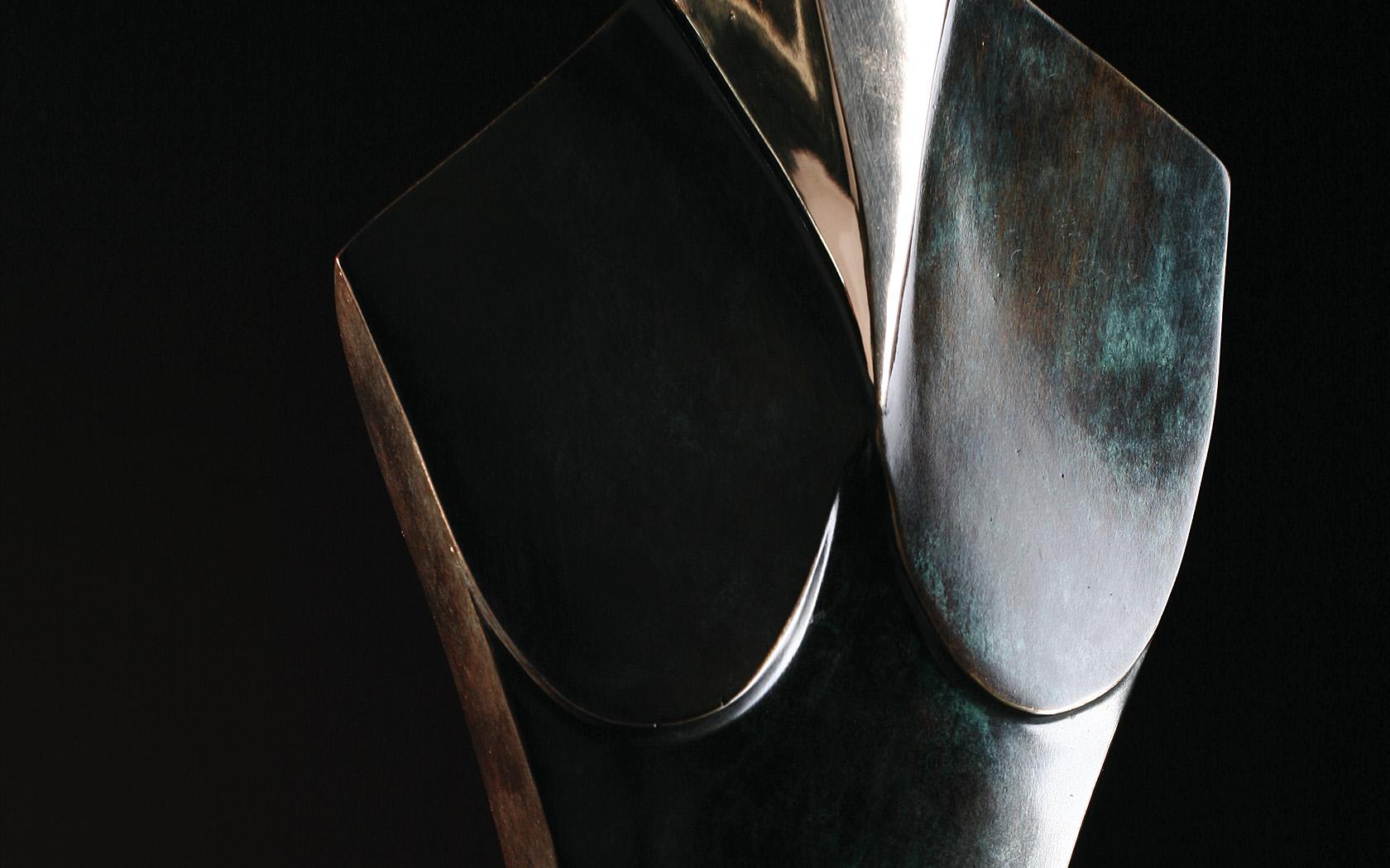 Dostojna 2004 brąz H 72 cm