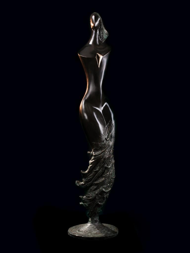 Księżniczka fal (Wave pricess) 2003 bronze H 175 cm